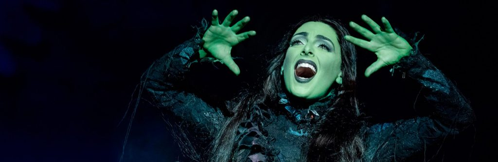 Escena del musical Wicked en Broadway, Nueva York