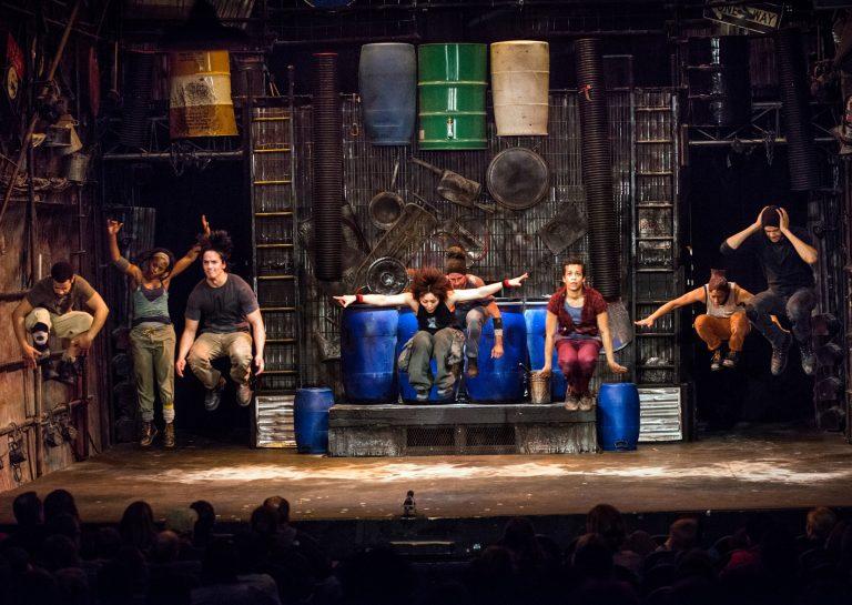 El elenco de Stomp en Off-Broadway, Nueva York