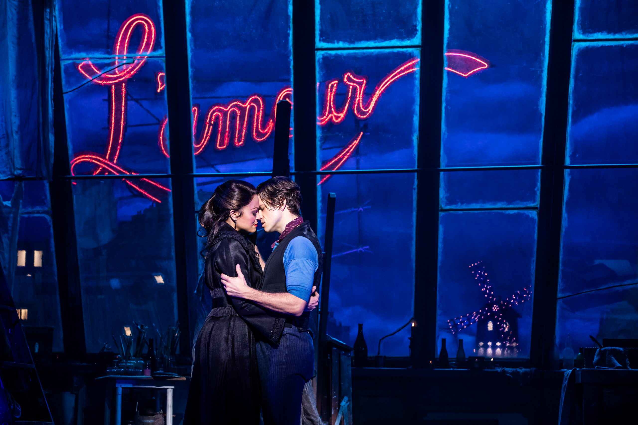Escena del musical Moulin Rouge! en Broadway, Nueva York